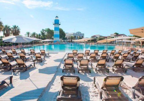 beach-pool-la-mediterrania