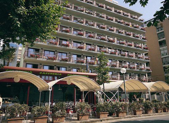 hotel-garbi-calella-aussenansicht