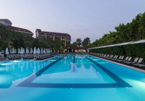 hotel-hane-family-pool2